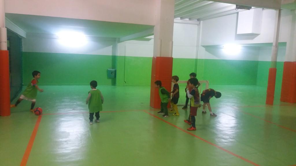 Activitats paraescolars futbol sala Pàlcam escola concertada de Barcelona